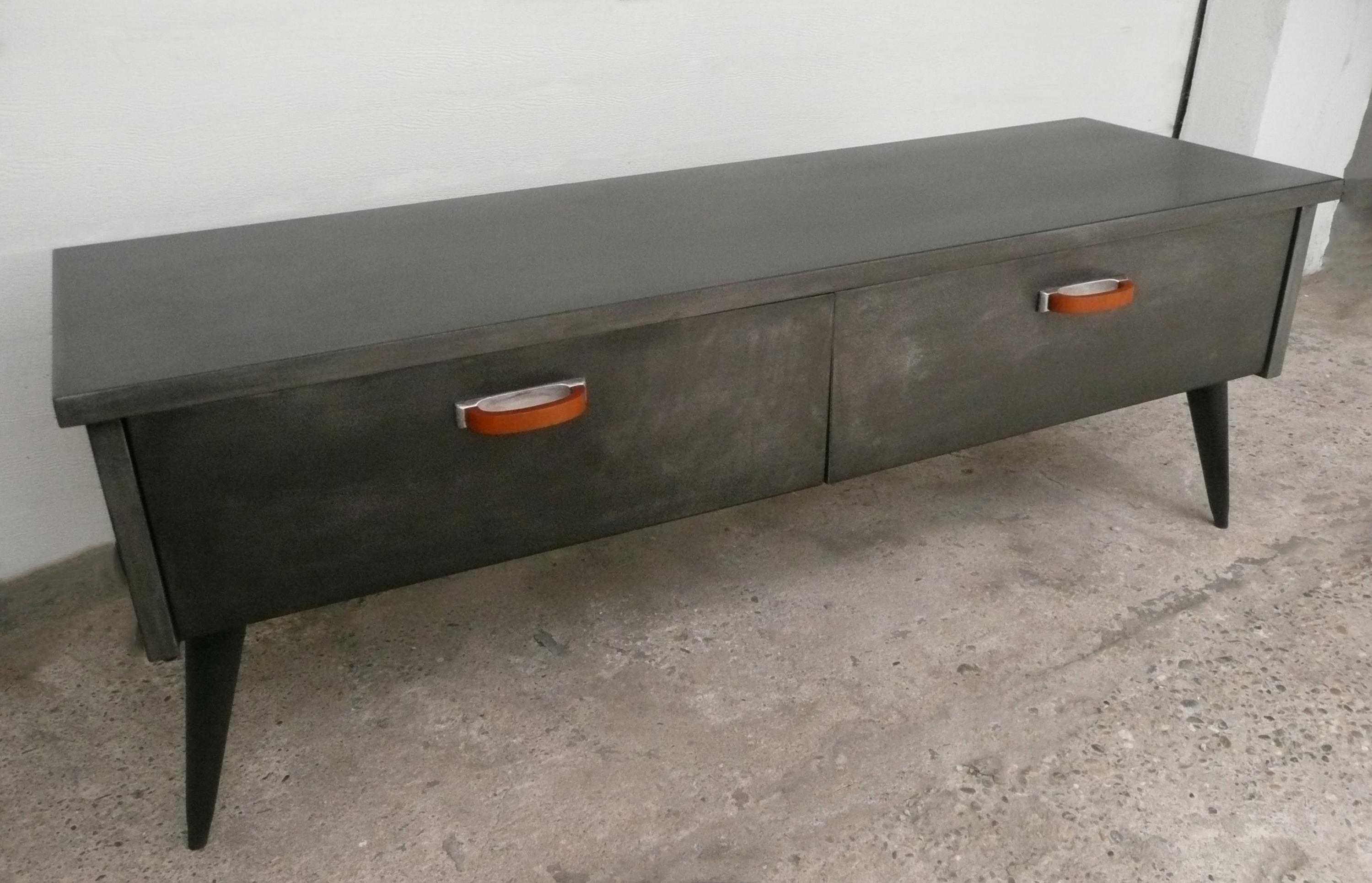 meuble bas metal meuble bas metal rouge with meuble bas. Black Bedroom Furniture Sets. Home Design Ideas